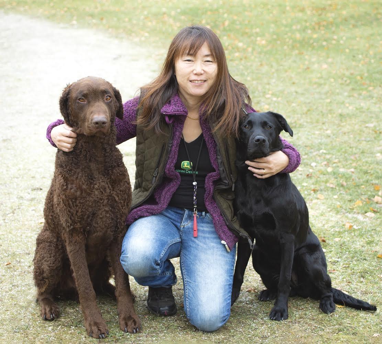 藤田りか子さんと愛犬たち